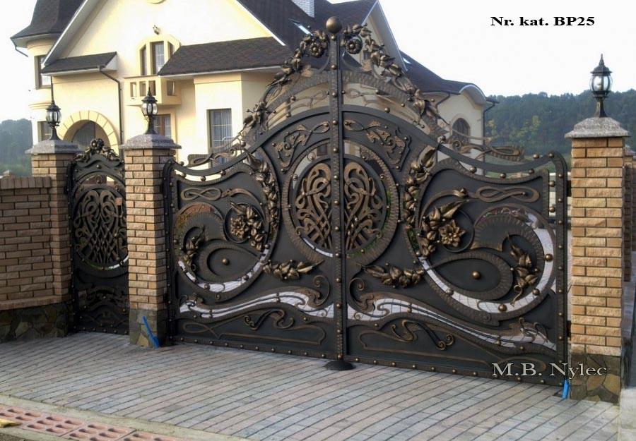 Pełna brama do rezydencji bp25