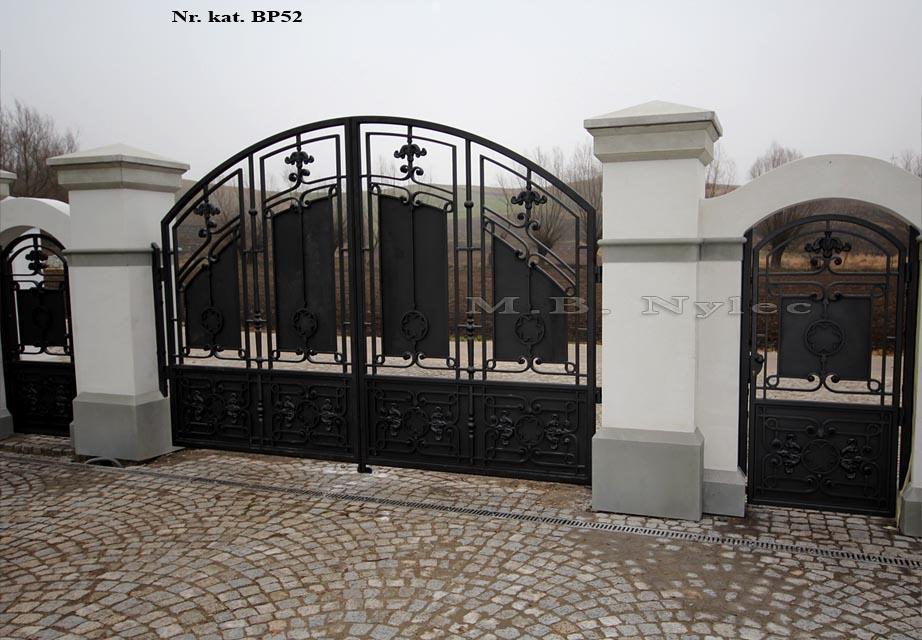 Brama do rezydencji pół-ażurowa bp52