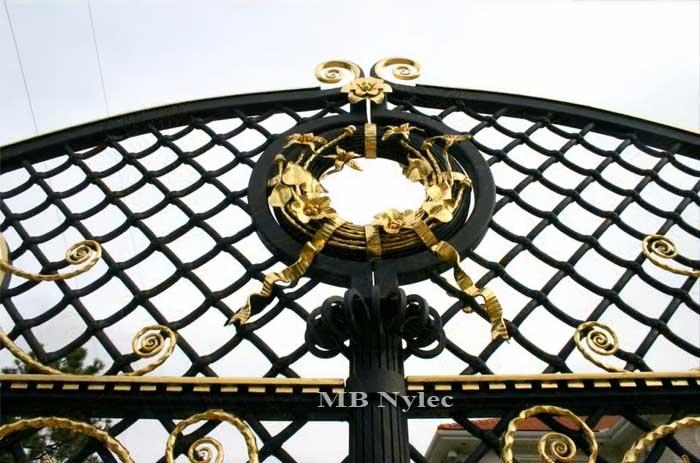 ekskluzywna brama kuta