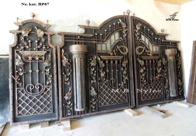 brama pełna z kolumnami bp67